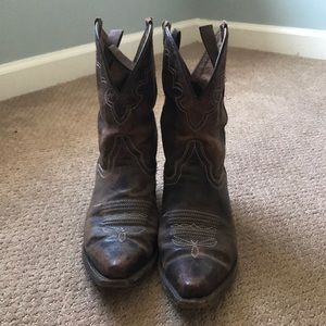 Cowgirl boots/booties
